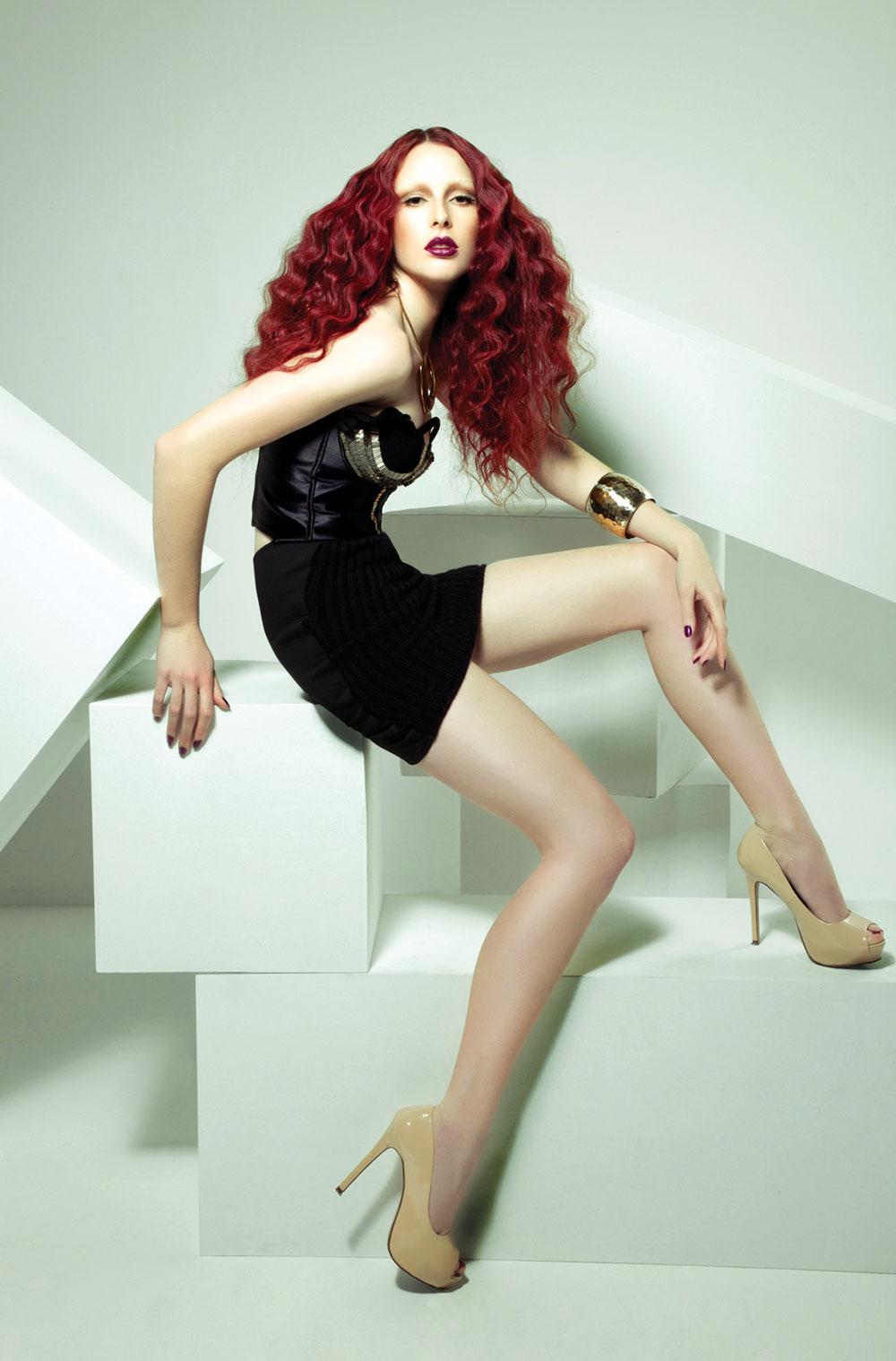 02meiji_nguyen_fashion_red01