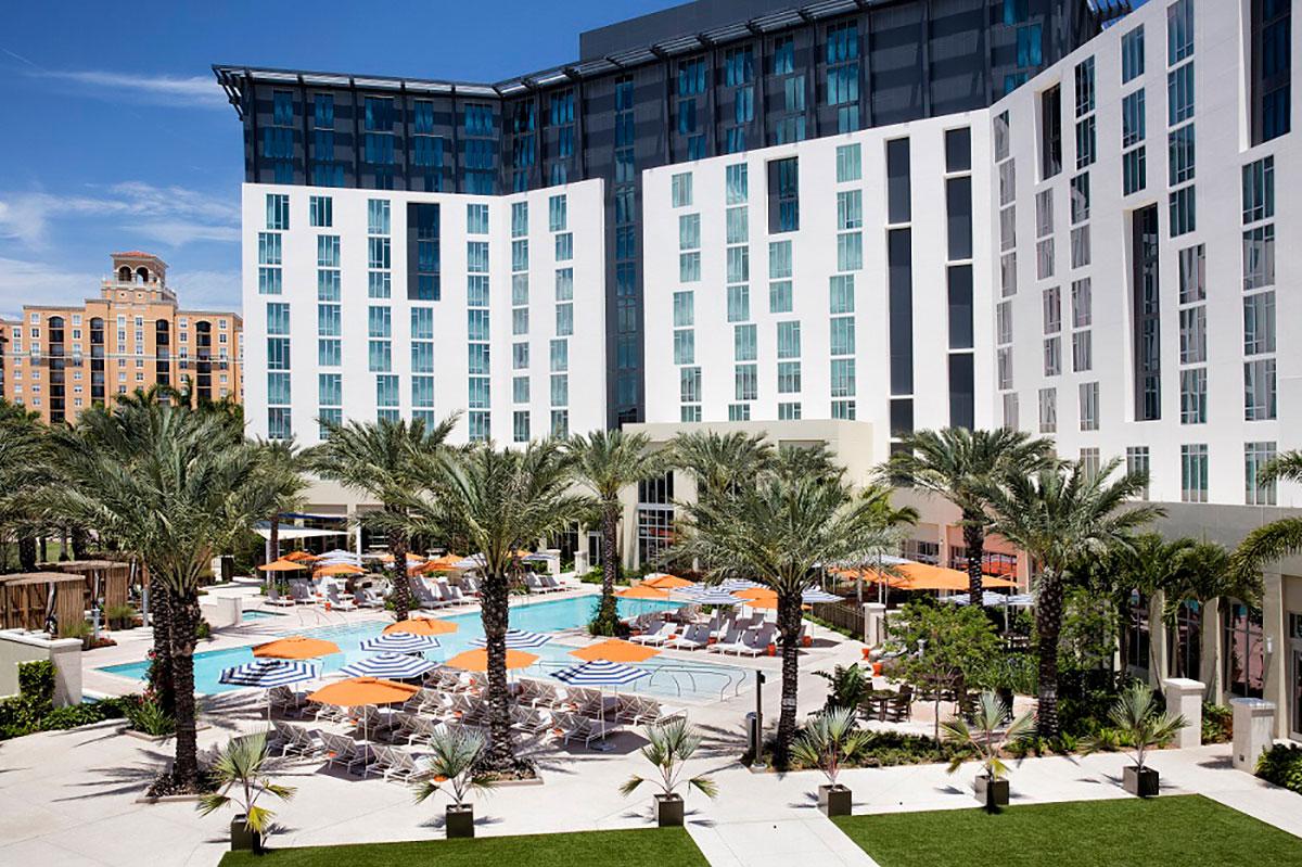 Hilton-West-Palm-Beach_Pool-overviewsmaller